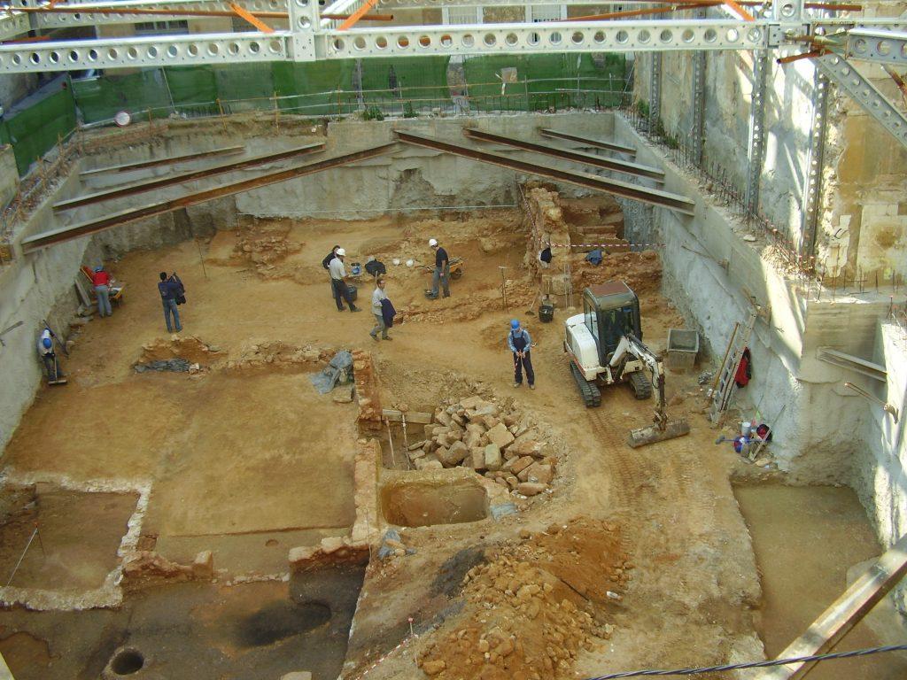 Excavación en yacimiento Gadir - Juan Miguel Pajuelo